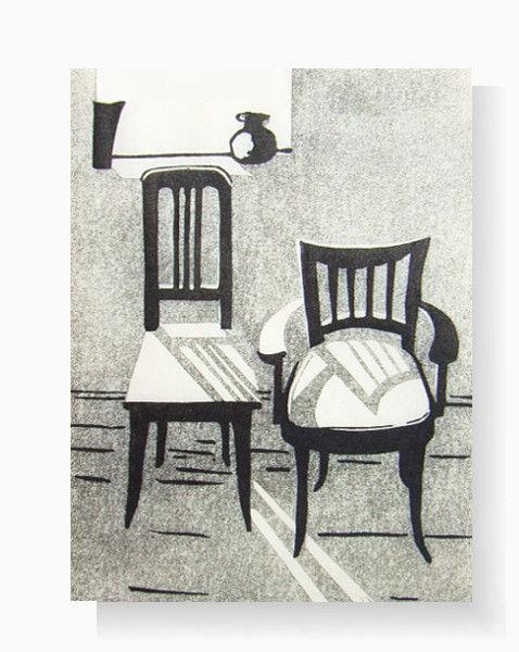 Stühle im Mondlicht